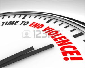 31535457-il-est-temps-de-mettre-fin--la-violence-des-mots-sur-une-horloge-comme-protestation-de-guerre-ou--la